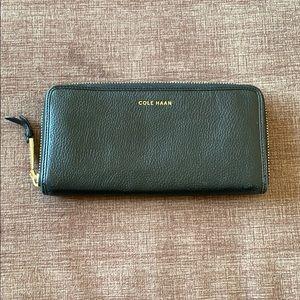 Authentic Cole Haan black zipper wallet
